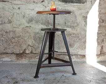 Rowac swivel stool with swivel spindle workshop stool stool vintage 3 leg 20s