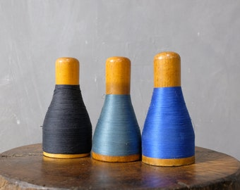 3 colored yarn coils from a stocking factory coils wooden coils decoration 40er 03