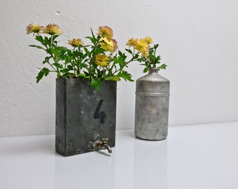 Vase shelf desk kitchen pins flower pot shape Industrial zinc