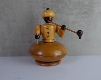 Osmane  Smoker Ore Mountains 70 DDR Smoking Christmas Folk Art Wood Figure German Incense Burner