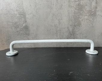 Enamelled Holder Handholder Bathroom Kitchen old hook vintage handle 3