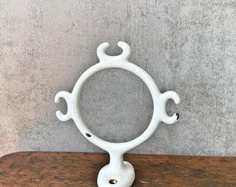 Enamelled holder ring holder bath cloth toothbrush old vintage
