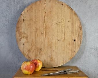 round cake board cutting board cheese board wooden board old 20s