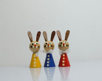 Easter Bunny Couple Figures Bunnies Wooden Figures from the 70s Handmade Ore Mountains GDR 5