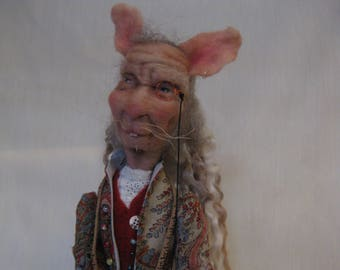 Needle felted mouse tailor figure 'Make Do and Mend'