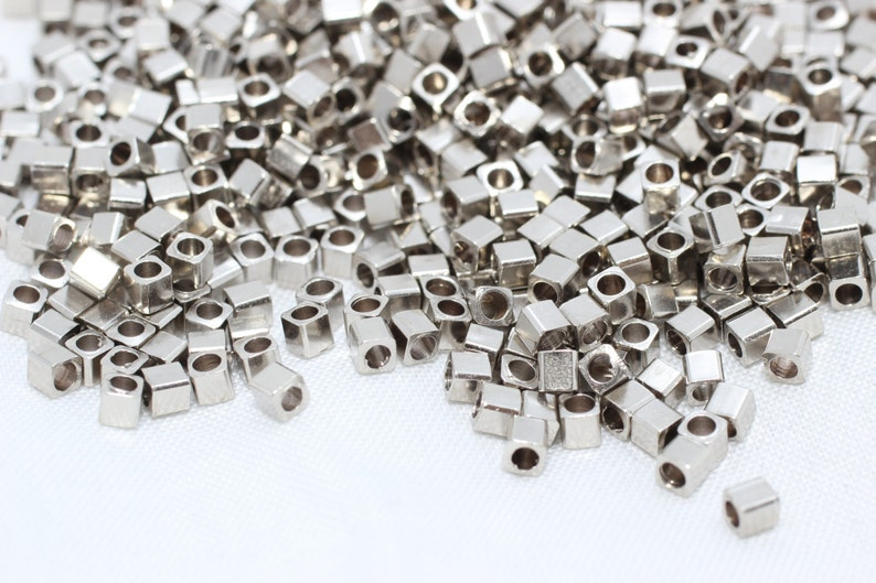 FRY16 Bracelet Beads Mini Cube Beads QB Square Beads 200 Pcs 2mm Silver Color Cube Beads Spacer Beads Silver Color Plated Findings