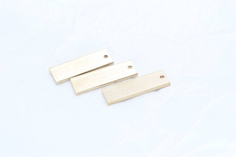 TNB 25 Pcs 10x30mm Raw Brass Nameplate Bar Raw Brass Findings Rectangle Charms Brass Bar Necklace ALS10 Personalized Charms