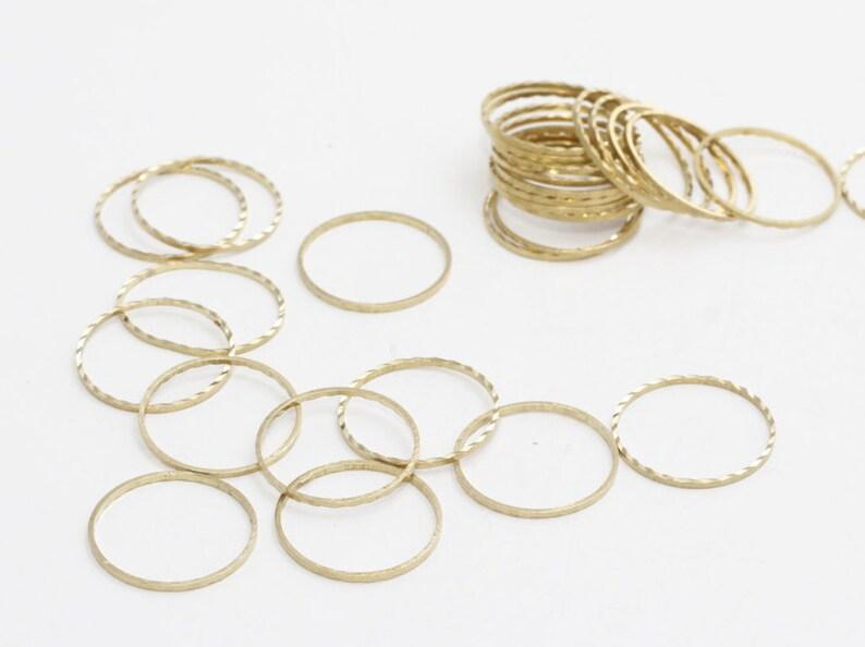 50 Pcs 16mm Raw Brass Closed Ring, Connectors, Circle Connector, Simple  Circles, Raw Brass Hoops, Circle Connectors, Rings, RI, HLS28