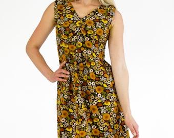 Vintage 1960s Dress Sleeveless V-Neck Fit Flare Empire Waist Pocket Midi Brown Yellow Earthy Floral Print Spring Summer Handmade Size Medium