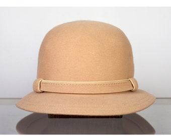 Vintage Cloche Hat Light Beige 1960s Women's Wool Doeskin Felt Geo. W. Bollman & Co Retro Accessory
