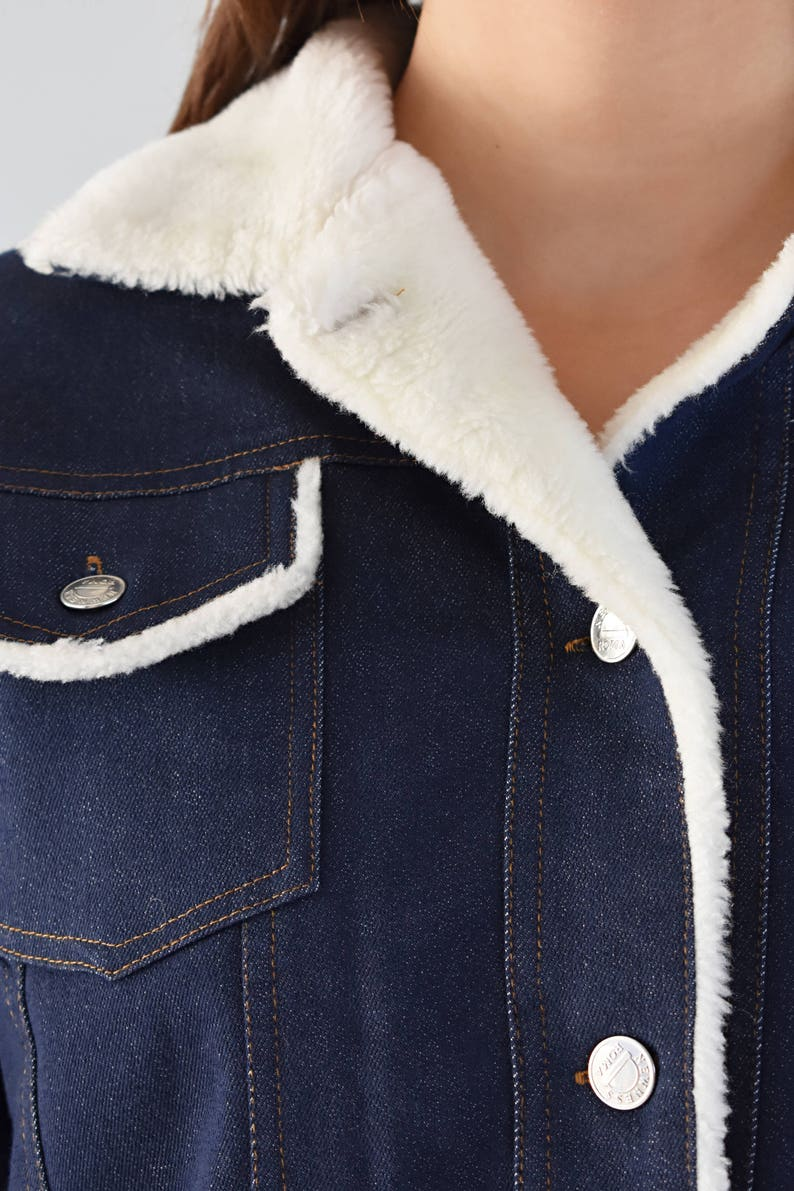 Vintage Denim Jean Jacket Faux Fur Lined Trim Japanese Cherry Blossom Bird Embroidered Patch Button Down Long Sleeve Warm Fall Winter Womens