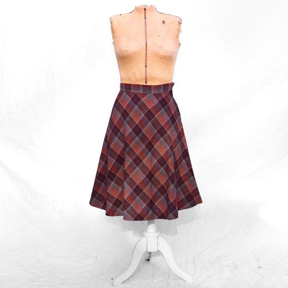 Vintage 1970s Burgundy Rust Tartan Plaid Wool Twee