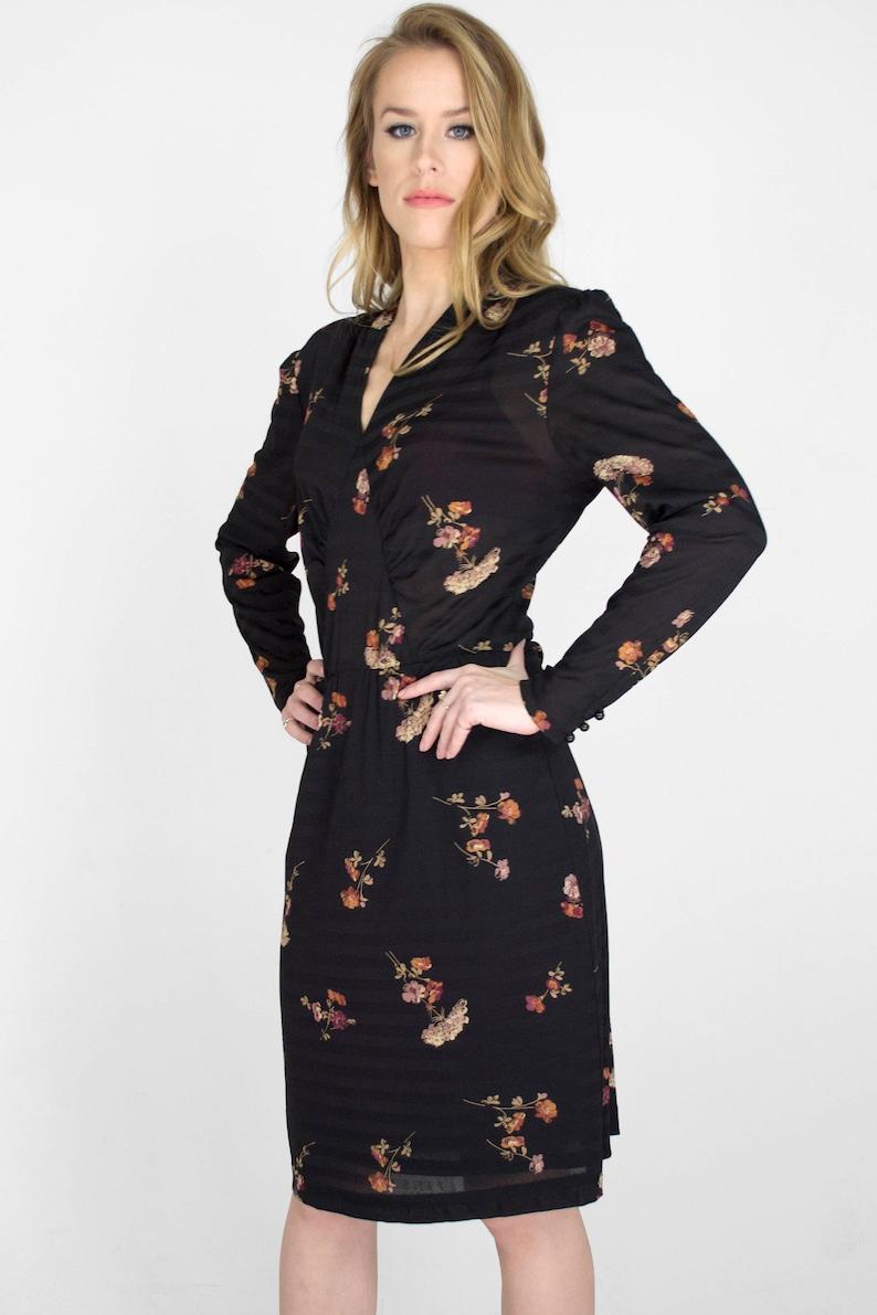 bdac3ae985e1 Vintage Black Floral Print Long Sleeve Midi Dress V-Neck Tight