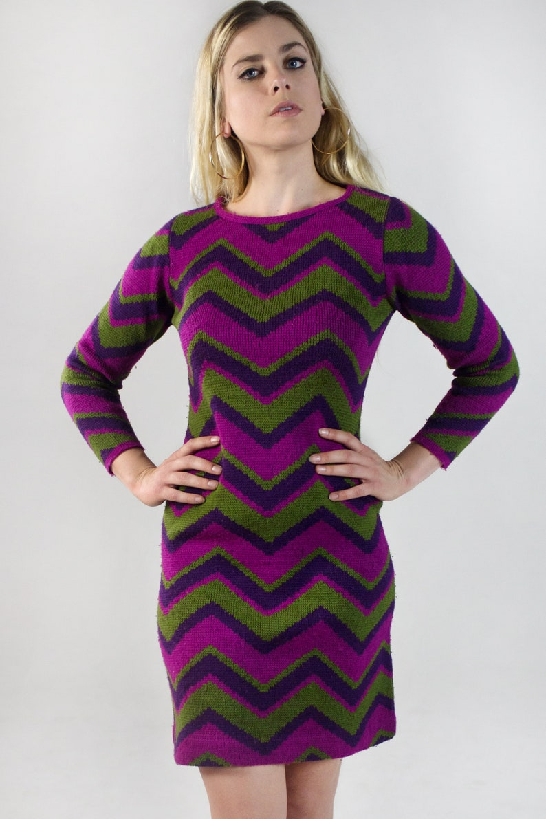 0d232b617a3 Vintage Chevron Striped Knit Sweater Dress Long Sleeve Mini