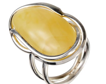HolidayGiftShops Sterling Silver and Baltic Butterscotch Amber Ring Olivia