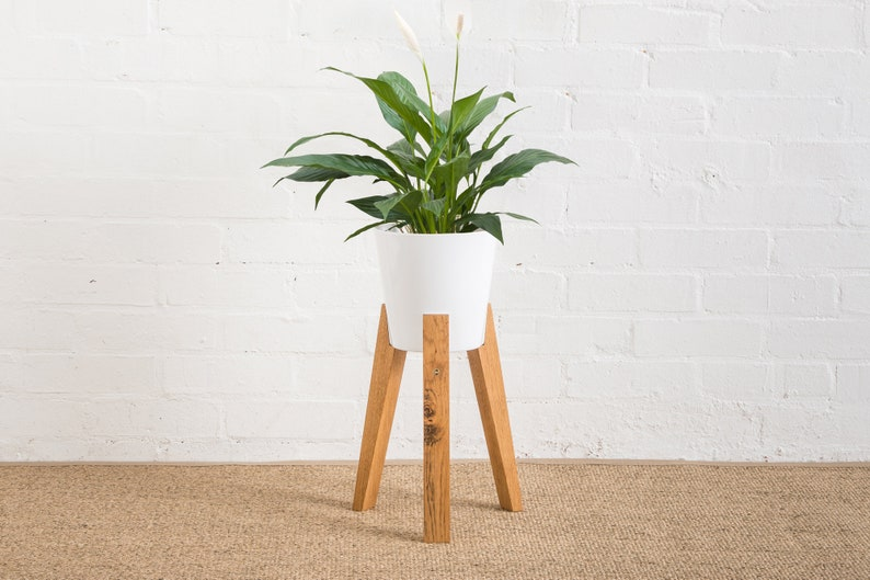 JAM Plant Pot With Stand image 0
