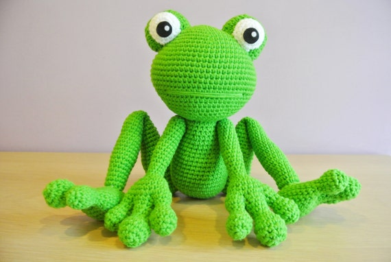 Felix the Frog | free amigurumi and crochet patterns | lilleliis | 382x570