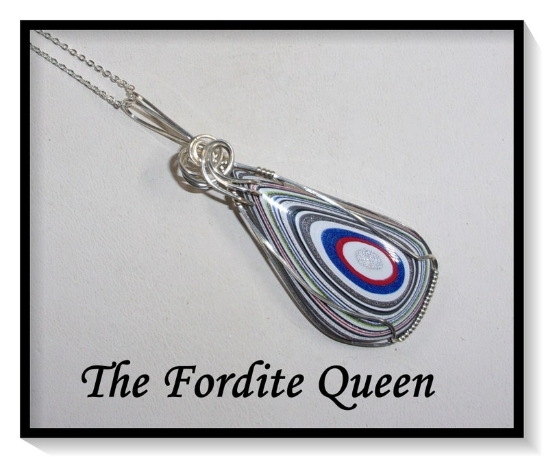 Jeep Wrangler Fordite Pendant in Silver Filled Wire with Chain