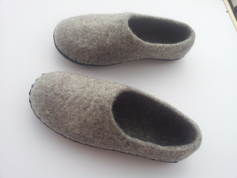 51b61d9951691f Pantofole di uomini con suole infeltrito pantofole uomo lana