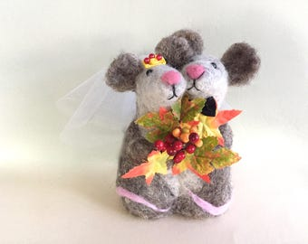 Fall wedding cake topper fall wedding decorations mouse , animals mice yellow orange autumn leaves berries red cute harvest thanksgiving fun