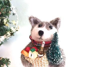Needle felted animal Christmas cake topper dog wolf felt felting needlefelt Husky Akita Alaskan Malamute Utonagan Tamaskan Klee Kai Keeshond