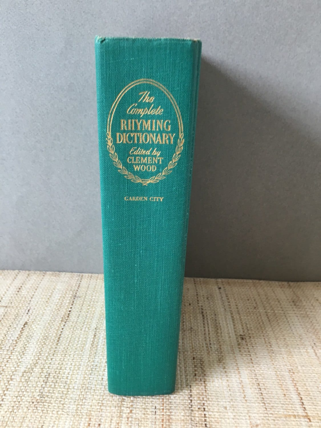 the complete rhyming dictionary including the poets craft book