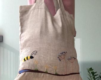 Bee Linen Tote Bag, Hand Embroidered Shopper Bag Eco Friendly, Embroidered Shoulder Bag, Reusable Shopping Bag, Minimal Eco Fashion.