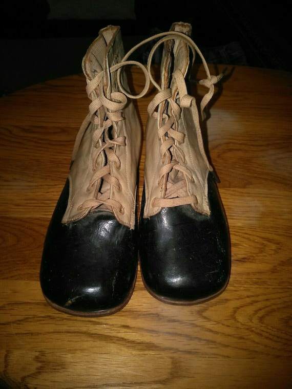 EUC Vintage Victorian Children's Leather Lace Up B