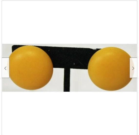 Vintage 1980s Yellow Hard Plastic Circle Clip-Ons