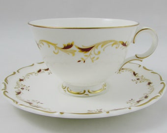 "Royal Doulton Tea Cup and Saucer ""Strasbourg"" Pattern H.4958, Vintage Bone China"