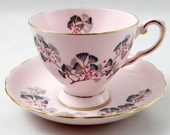 """Tuscan Pink Tea Cup and Saucer """"Juniper"""" with Flowers, Vintage Bone China"""