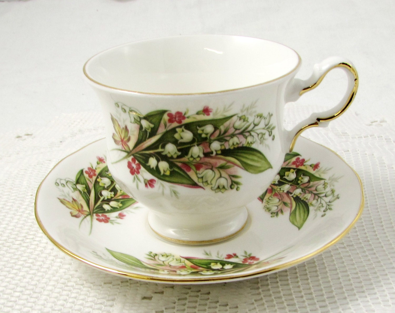 Vintage Royal Vale Flower Tea Cup And Saucer Bone China Lily Of