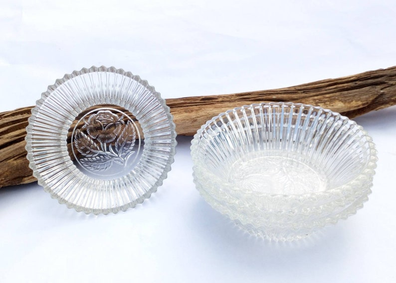 Vintage clear glass bowls dishes - set of 4 - ribbed optical glass and rose motif - perfect for puddings