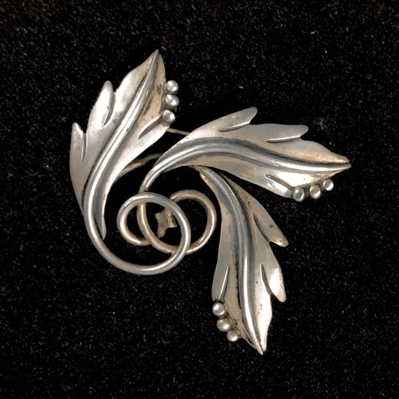 MARICELA Isidro Garcia Pina Taxco Modernist Mexican pre Eagle mark 1940/'s Sterling Silver Leaf Vintage Brooch Pin