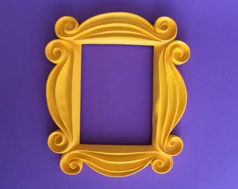 FRIENDS Frame Deluxe Edition: The Worldu0027s Finest FRIENDS Peephole Frame  From Monicau0027s Apartment Door