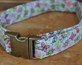 Dog Collar. Fabric Dog Collar. Lavender Butterflies Vintage Dog Collar. M/L