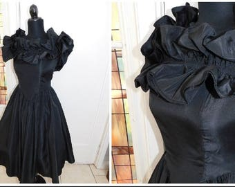 Vintage 1950S  Black Ruffled Patio Dress Swing Dress Rockabilly Dress Small