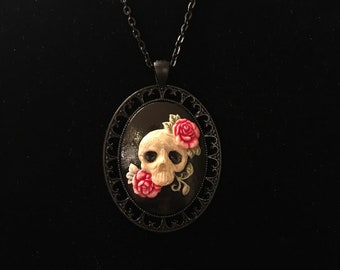 Cameo Skull & Roses Necklace