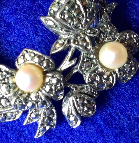 Edwardian Rhode Island Marcasite and Pearl Floral… - image 2