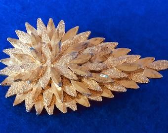 1950s Sphinx Gold Tone Teardrop Brooch