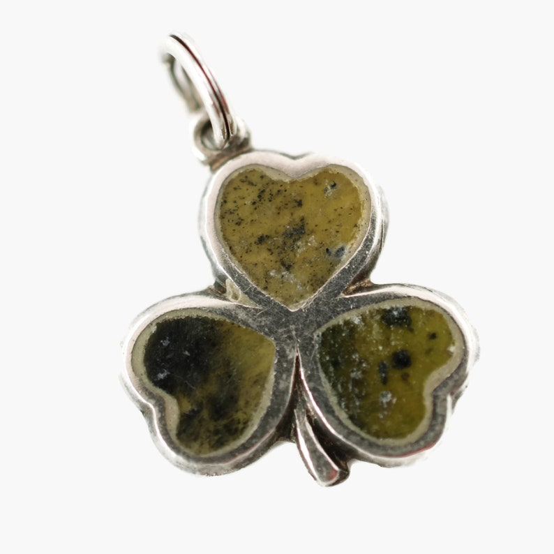 52c01e48b8129 Vintage Irish Sterling Silver Shamrock Charm Pendant with Green Agate Stone  Inlay Hallmarked Charles Townsend 1967