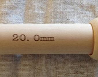 20mm Bamboo knitting needles