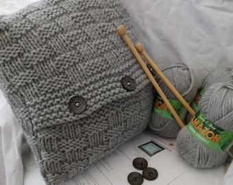 Cosy cushion knitting kit