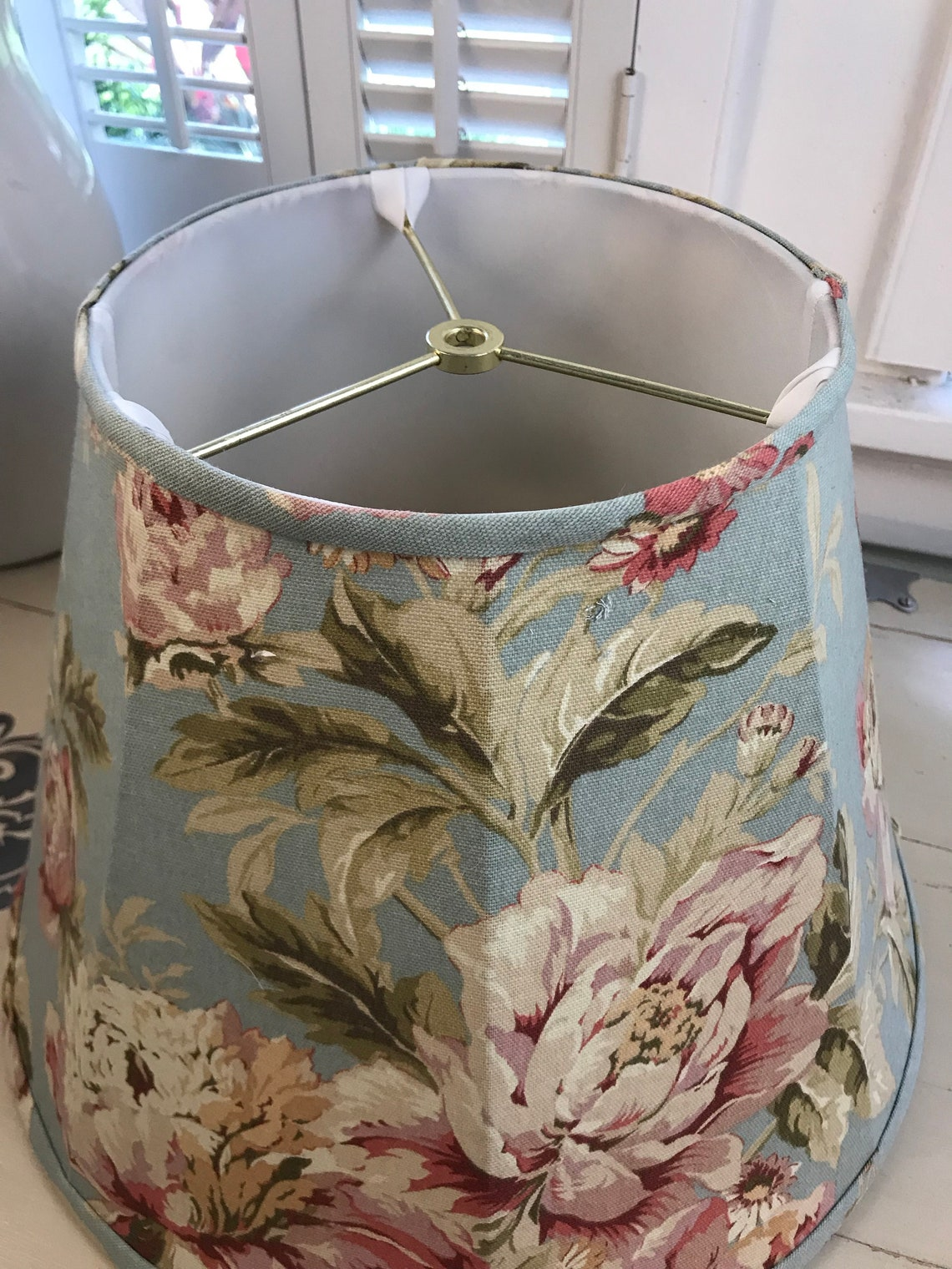 Floral Lamp Shade, Shabby Chic Lamp Shade, Rose Lamp Shade, Cabbage Rose Lamp Shade, FREE SHIPPING - Continental USA - Eclairage