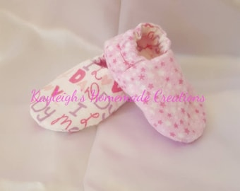 de0bde396b81 Flannel Reversible Baby Shoes Pink Stars I Love Mommy I Love Daddy
