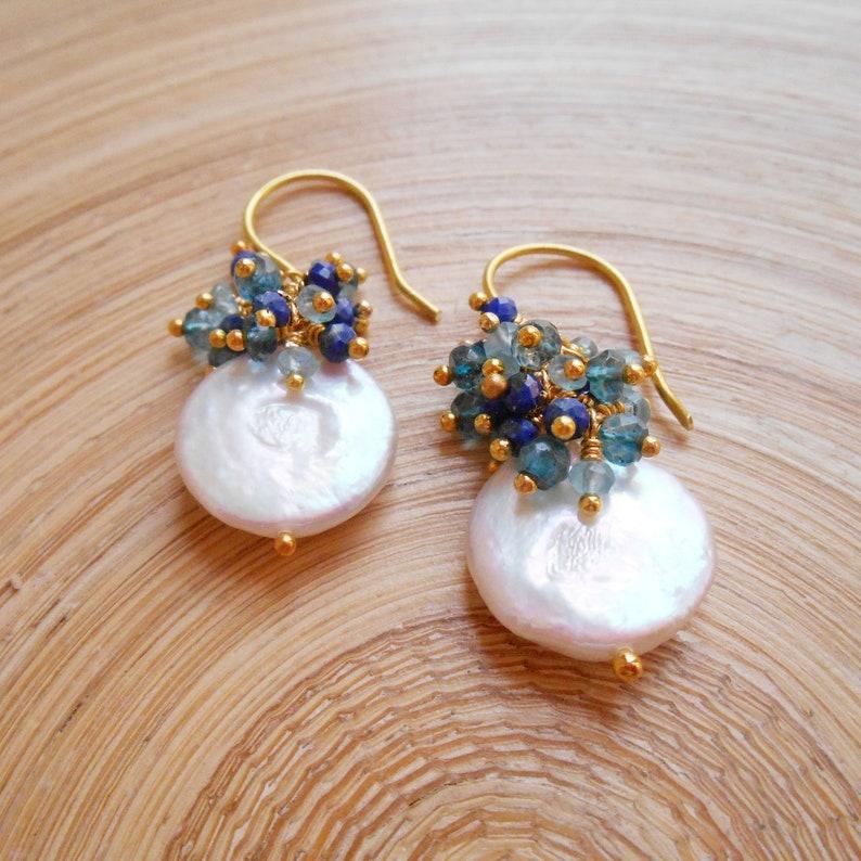e8e775ebe315 Acapulco moneda perlas piedras preciosas racimo azul playa