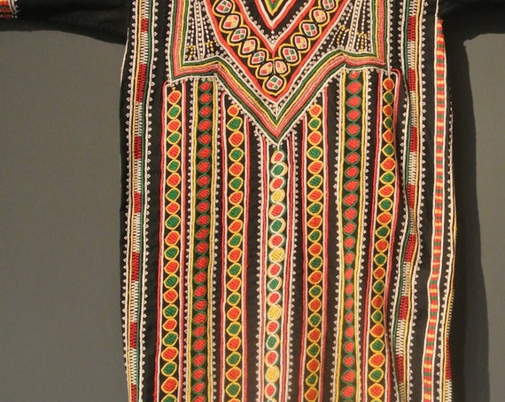 Tribal Vintage Yemeni Ceremonial dress, Front and Back Hand Embroidered /46,45''x 52,75''