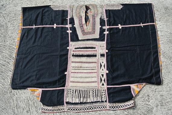 Ethnic Vintage Yemeni Dress Black Cotton with Traditional Handmade Embellishments / 51,96''x 40,15''