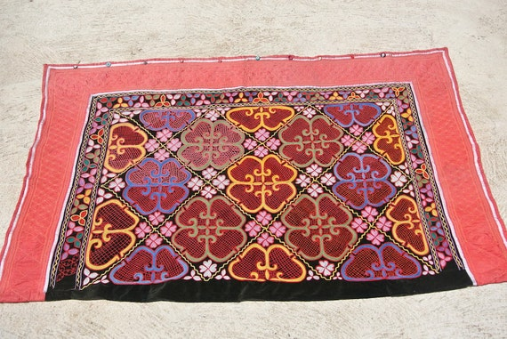 Tuzkiiz Yurt Decoration, Traditional Kazakh Wall Hanging, Vintage Embroidered Tribal Wall Textile Panel / 44''x 68,5''- 112 x 174 cm