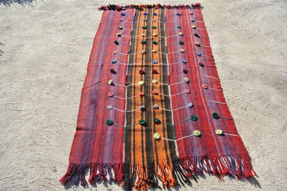 "Amazing Vintage Turkish Kilim Rug, Hand Embroidered with Pompons, Decorative Kurdish Flat weave / 53,9""x 88,6''"